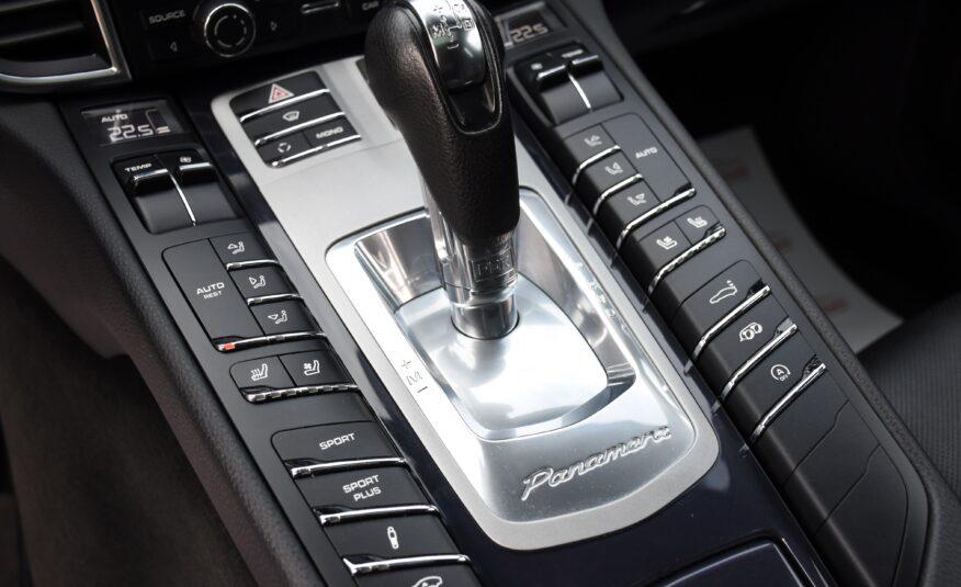 Porsche Panamera 4S V8